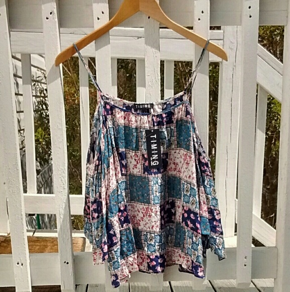 d61b2e64643 Timing Floral Bohemian Top